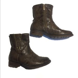 4 for $25 🌎 Browns Short Brown Boots Size 2